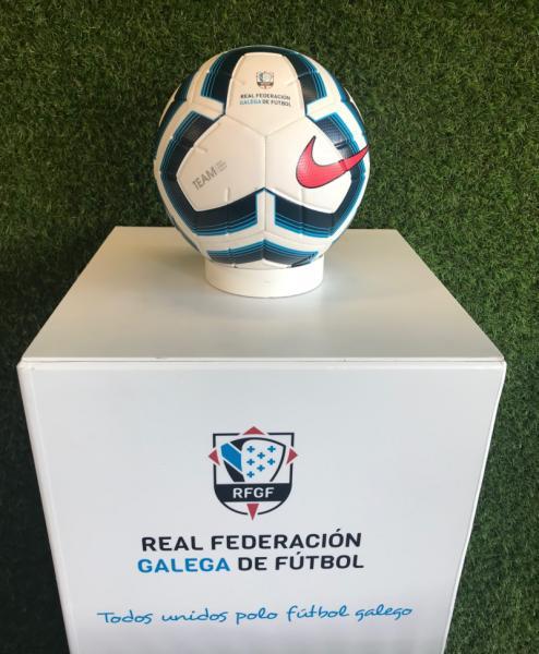 Colapso columpio muestra  Real Federación Gallega de Fútbol-O novo Nike Strike Team presenta un  deseño exclusivo da RFGF